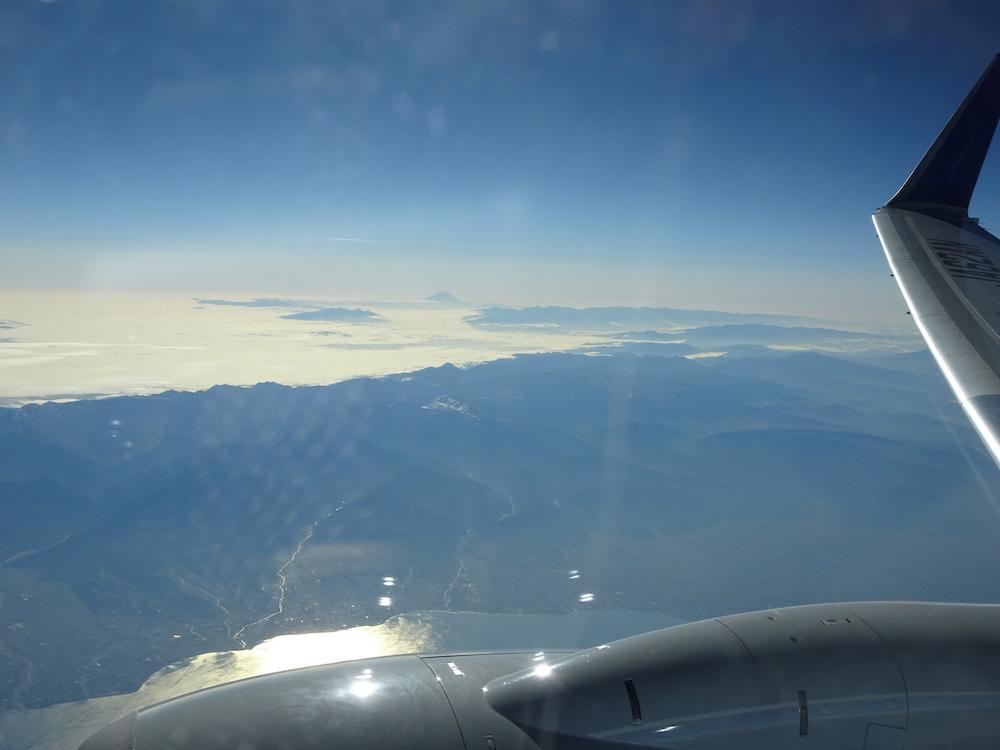 滋賀上空から見た富士山