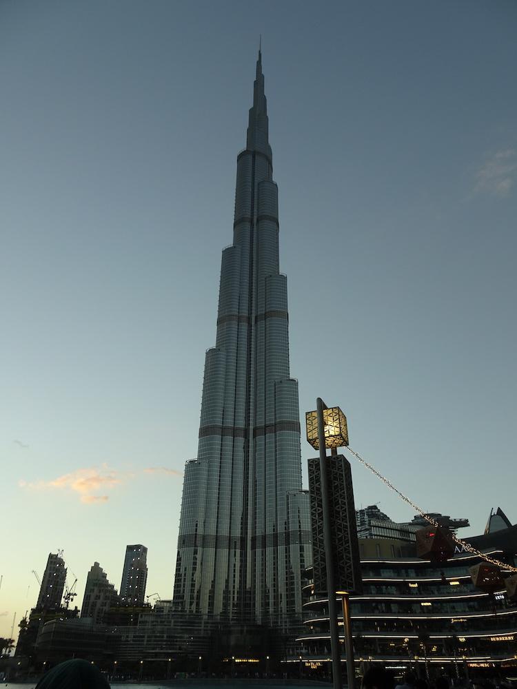 ブルジュ・ハリファ(バージュ・カリファ)に登りました-世界一高いビル-